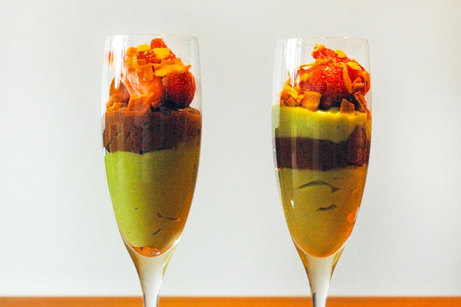Avocado-Schoko-Duett mit Erdbeeren