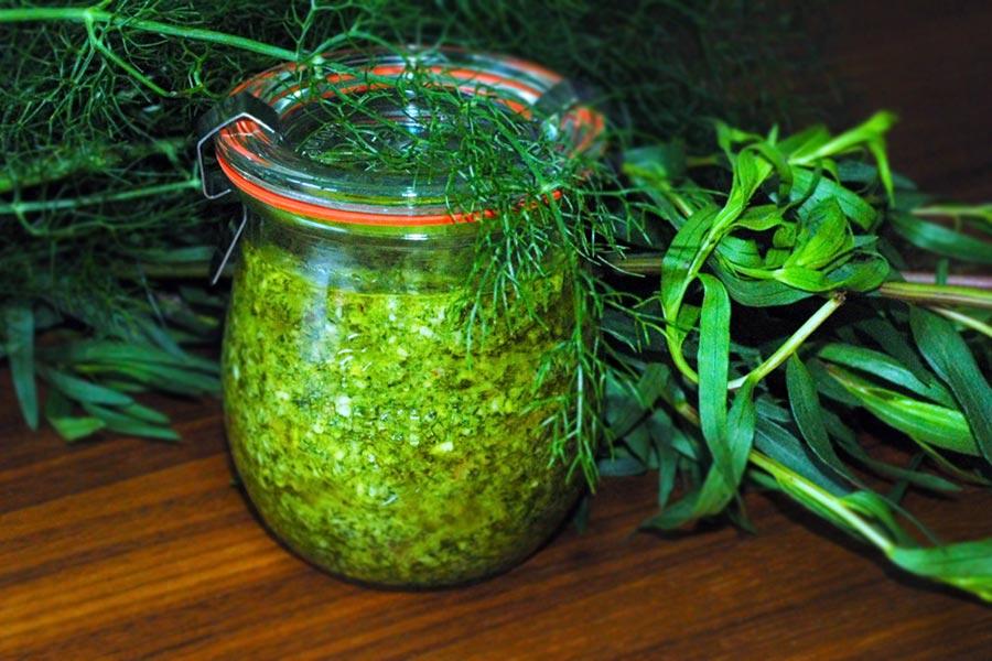 Estragon-Fenchel-Pesto