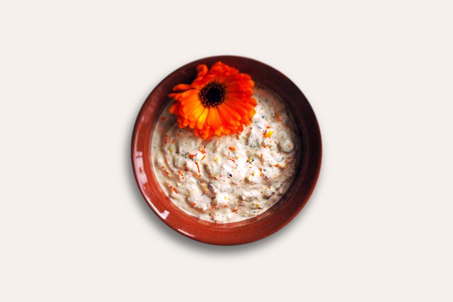 Oliven-Ringelblumen-Dip