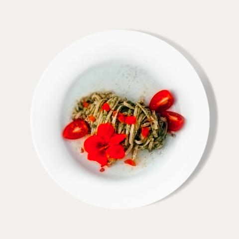 Pesto von Sommerkräutern (ohne Öl)